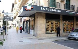 The store is located at Calle Josep Tous I Ferrer number 10 in Palma