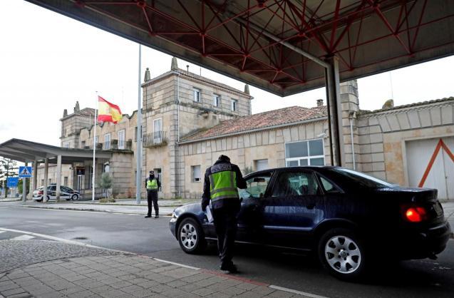 Controls at the Spanish-Portuguese border