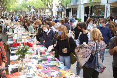 People in Palma last week during the Fiesta of Sant Jordi.