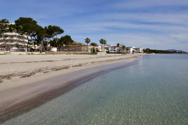 An emply Playa de Muro
