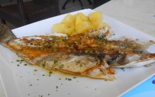 The lubina was moist and tasty and finished off with a refrito de ajos.