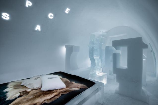 A Journey into Letter space - John Bark & Charli Kasselbäck.