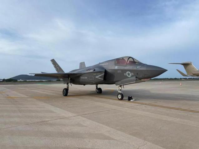 The F35 at Ibiza airport belongs to the Marine Corps