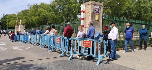Queuing for vaccination in Palma, Mallorca