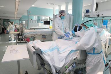 Balearic hospitals have 10 in intensive care.