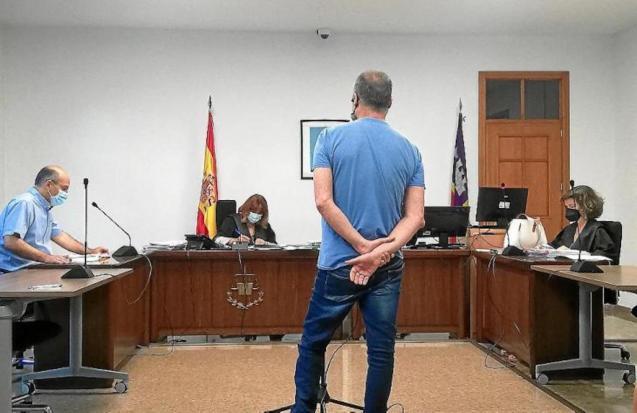 Prisoner in Palma Court.