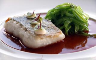 Hake with green beans