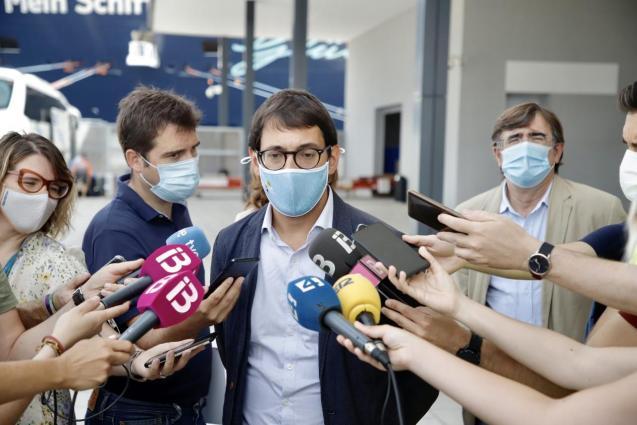 Iago Negueruela, Balearic tourism minister