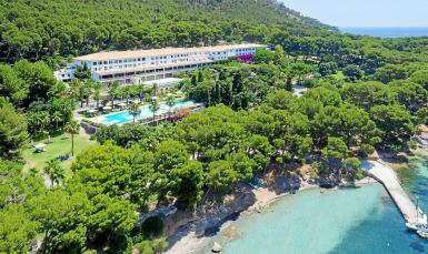 The tourism ministry has given its blessing to a project to expand the Hotel Formentor by 960 square metres.