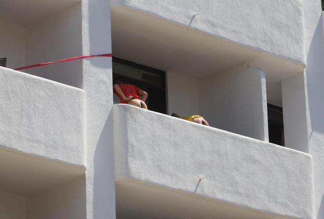 Spanish students moon at the Mallorca 'Covid hotel'