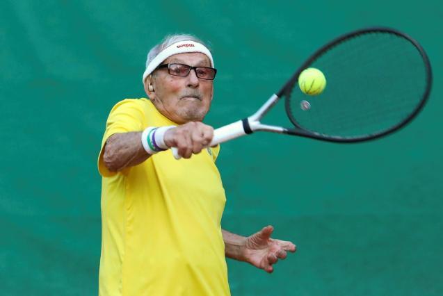 The world's oldest tennis player Ukrainian Stanislavskyi
