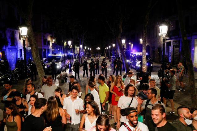 Night curfew to prevent the spread of the coronavirus in Barcelona