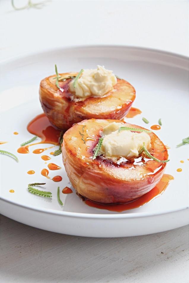 Roasted peaches with lavender caramel & Créme Fraìche