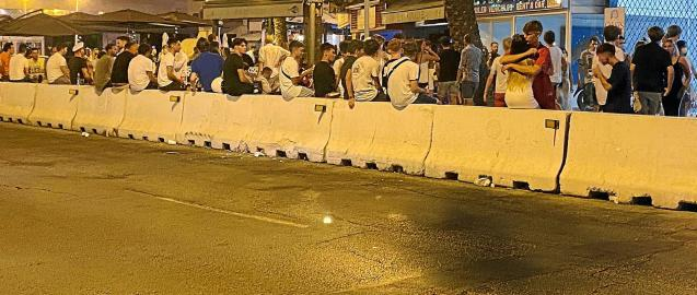 """""""Botellón"""" street party in Mallorca, a cause of infection."""
