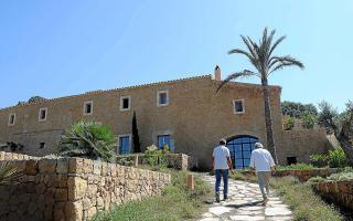 Antoni Esteva and Jaume Danus recover this old finca in Arta