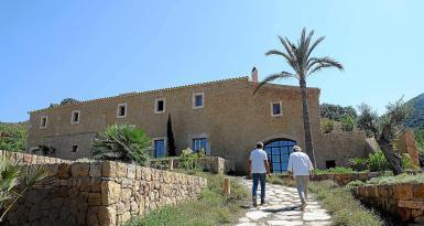 Antoni Esteva and Jaume Danus recover this old finca in Arta.