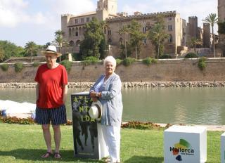 Dame Judi Dench visits Mallorca