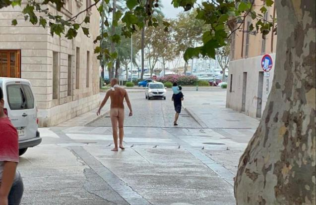 Naked man in Palma, Mallorca