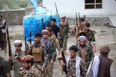 Men prepare for defense against the Taliban in Panjshir.