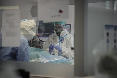 Covid ICU occupancy rate still above 20%.