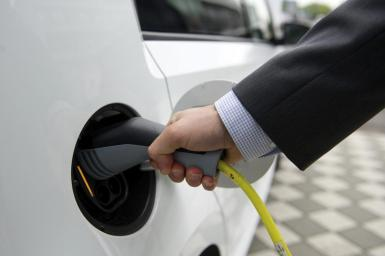 The infrastructure for electric charging points needs to be expanded considerably.