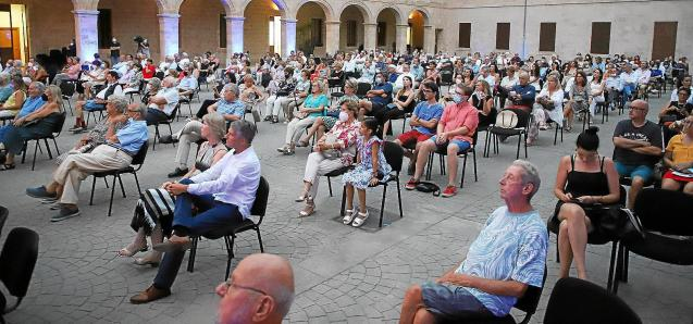 Audience at event in Mallorca