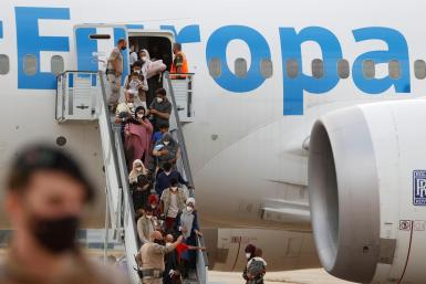 Refugees from Dubai arriving in Madrid.