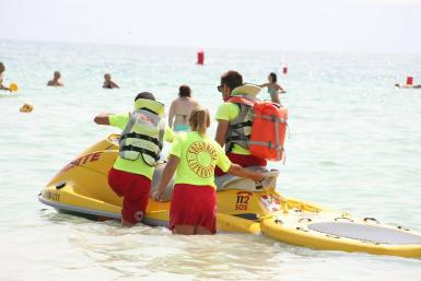 Lifeguards have registered a letter with Alcudia town hall.