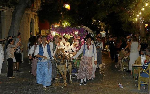 Parade of the Blessed, Valldemossa.