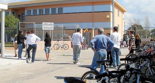 Colònia de Sant Jordi public school.