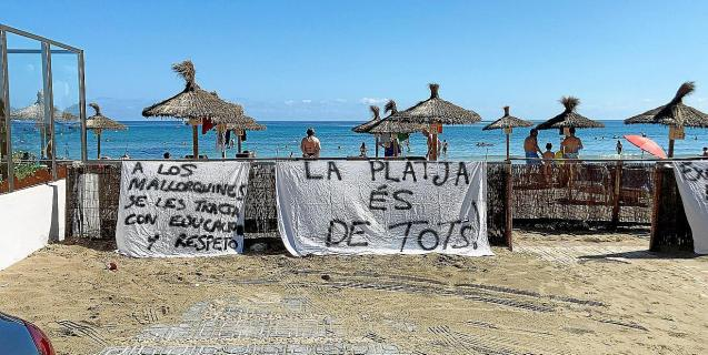 Protest on Can Picafort beach, Mallorca