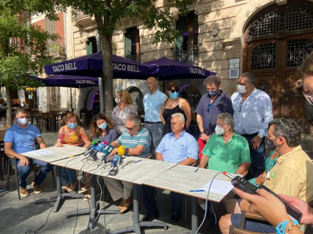 Businesses and residents in Palma, Mallorca, who are critical of the town hall