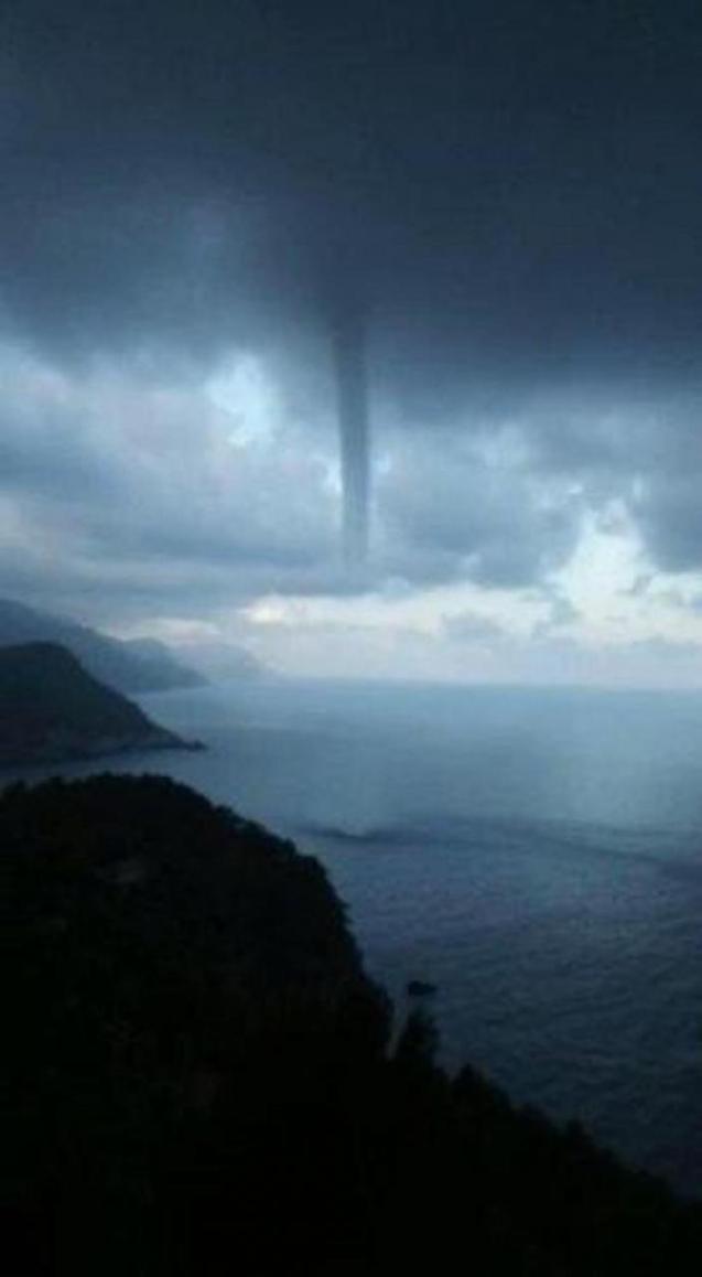 Tornado off the coat of Banyalbufar.
