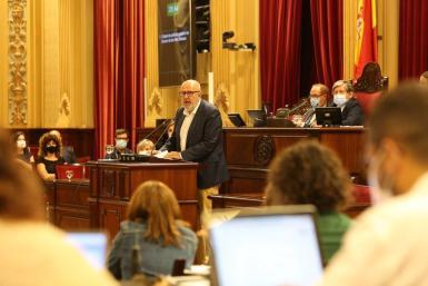 Miquel Ensenyat, speaking in parliament on Wednesday.