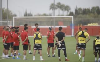 Mallorca's coach takes training.
