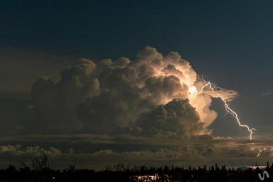 Lighting captured by Xavi Vila (@Xavivi92).