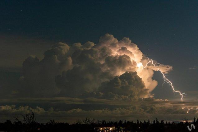Lighting captured by Xavi Vila (@Xavivi92)