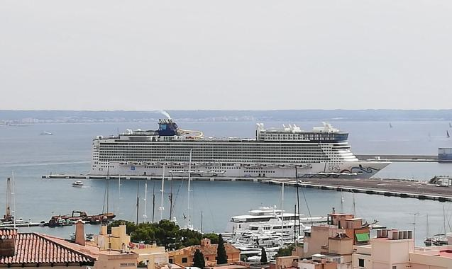 """""""I can´t understand why anyone can be opposed to cruise ships..."""""""