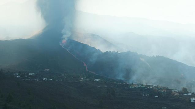The Canary Islands' Involcan volcanology institute confirmed the renewed eruption.