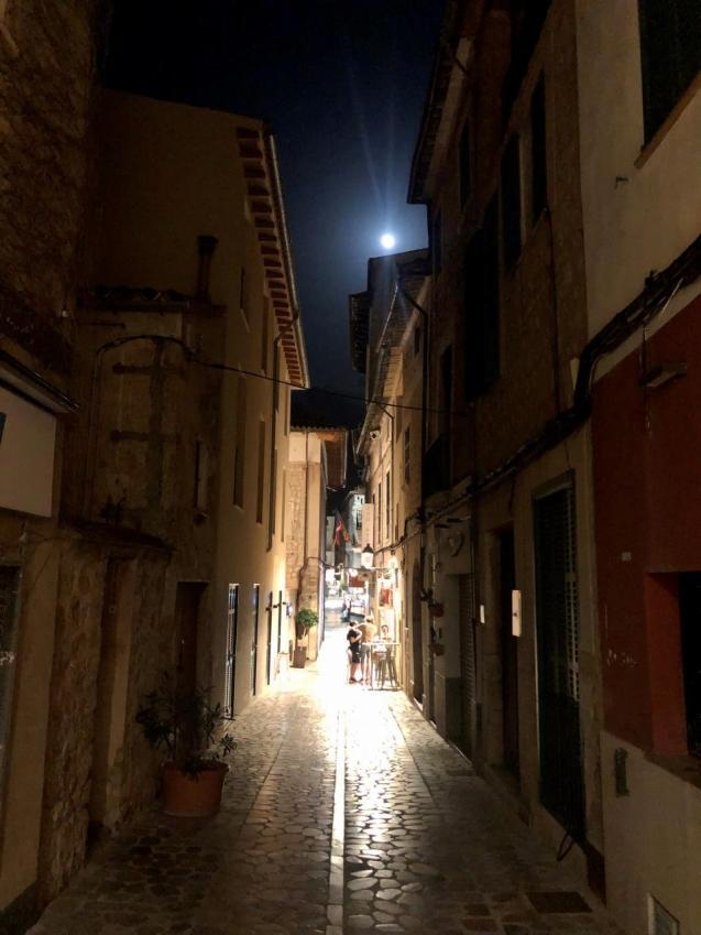 Sóller street nightlife.