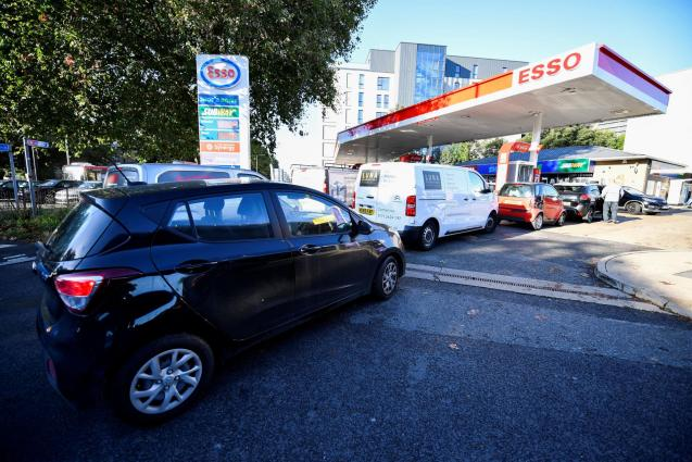 Drivers queue for petrol as panic buying continues in London