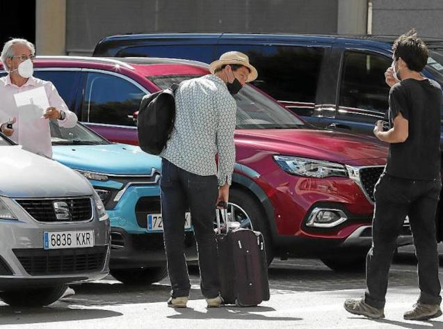 Dominic West arriving at Palma Airport.