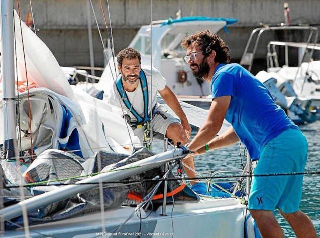 José Linares (left) arriving in Santa Cruz de La Palma.