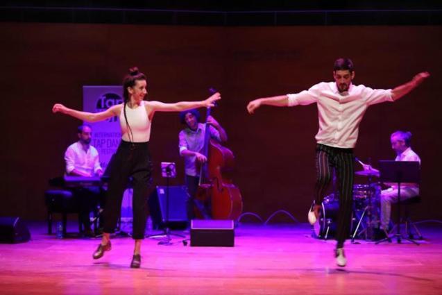 Estefanía Porqueras performing at the Tap on Mallorca festival.