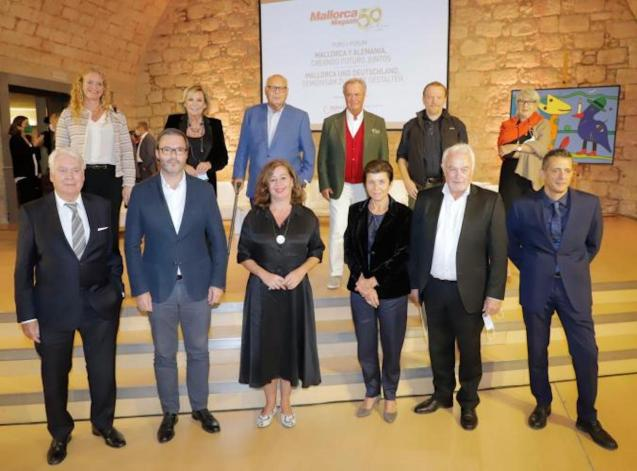 Balearic President, Francina Armengol, Palma Mayor José Hila & Grup Serra President, Carmen Serra & other guests at the Mallorca Magazin 50th Anniversary celebration.
