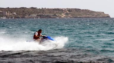 From Tuesday to Saturday next week, the bay of Alcudia will be full of jet skis.