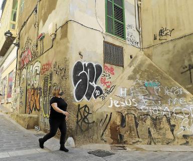 Palma police have an anti-graffiti unit.