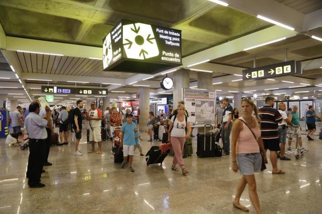 Los aeropuertos de Balears registrarán en cuatro días un tráfico de un millón de pasajeros.