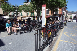 "Bunyola's square ""invaded"" by bikes"