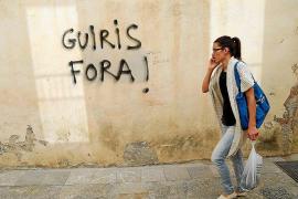 Environmentalists raise the alarm about tourism saturation